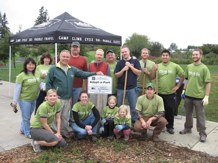 Image of Hillsboro REI volunteers
